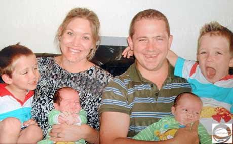 مادری که 4 فرزند خود را در یک تاریخ به دنیا آورد (2)