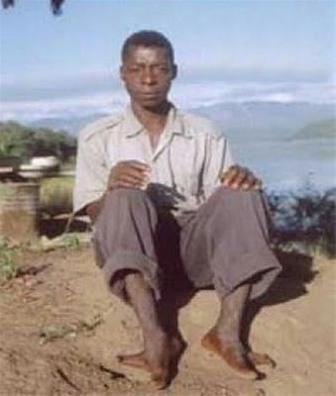 شبیه پاهای شترمرغ در قبیله ای در آفریقا
