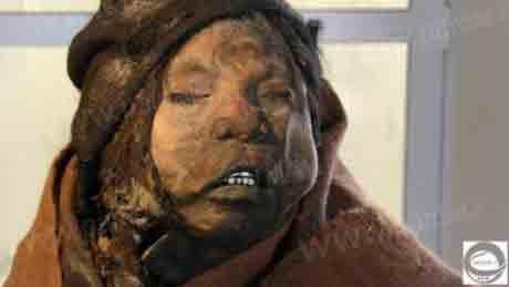 شوک محققان از کشف جسد مومیایی سه دختر و پسر سرخ پوست +عکس